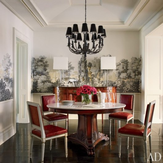item0.rendition.slideshowWideVertical.celebrity-dining-rooms-01-brooke-shields