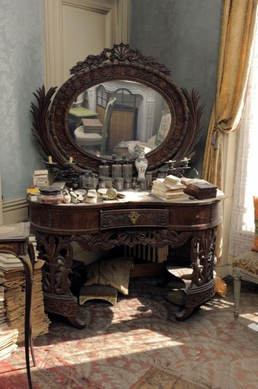 parisienflat-vanity-670x1007